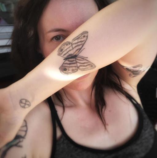 Este elegante antebraço tat