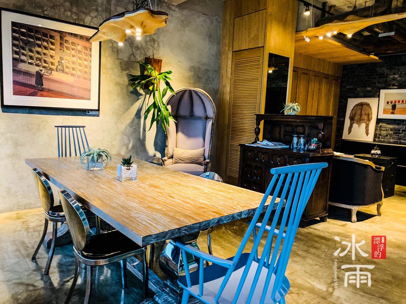 帕鉑舍旅 高雄住宿推薦 二樓這裡還可以當成會議室使用
