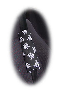 Black and White Skull and crossbones cotton seat belt pads - Poppys Crafts