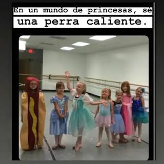 Varias niñas disfrazadas de princesas y una de perrito caliente