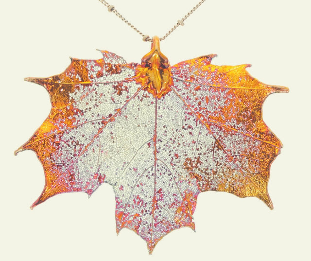 Christmas Gift Ideas For Your Mum and Dad | An iridescent copper leaf, made with a real leaf!