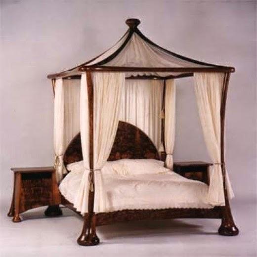 Stephen Owen Canopy Bed