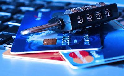 سرقة بيانات بطاقة الائتمان