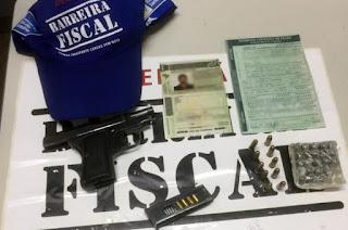 http://vnoticia.com.br/noticia/3511-barreira-fiscal-prende-motorista-de-caminhao-com-pistola-na-br-101