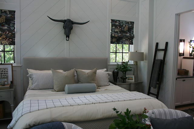 Cow steer skull on chevron shiplap in cottage farmhouse in Palmetto Bluff, SC | The Lowcountry Lady