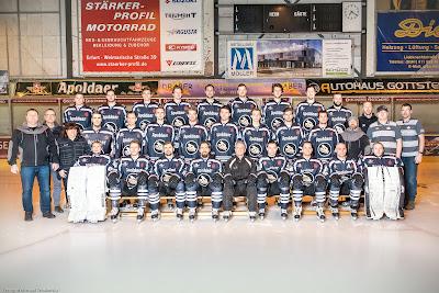 Mannschaftsbild Black Dragons Erfurt Saison 2015 / 2016 vom Fotograf Michael Schalansky
