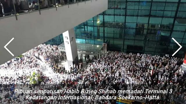 Habib Rizieq Sudah Tiba, Bandara Dipenuhi Lautan Manusia