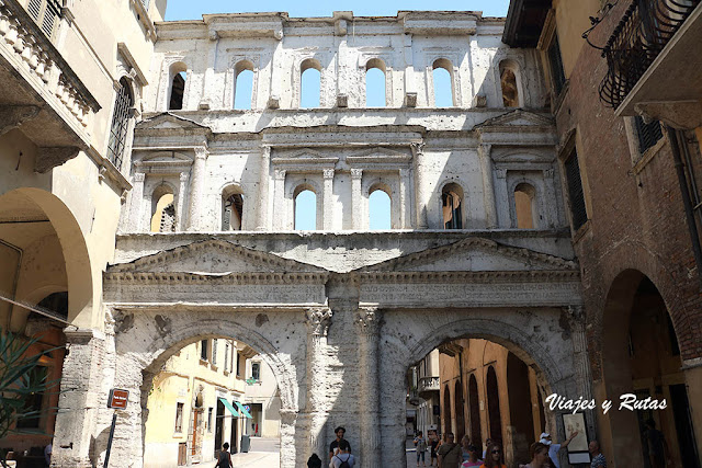 Puerta Borsari de Verona