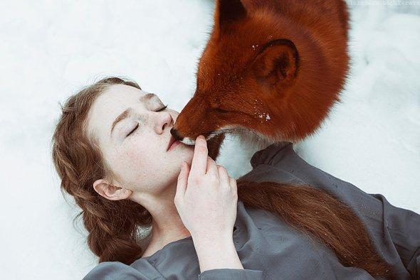 Alexandra Bochkareva fotografia mulheres garotas ruivas raposas fantasia contos fada mulheres modelos animais emoção sensibilidade neve