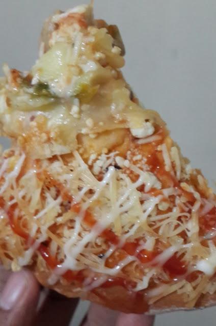 Pizza Mirza, Pizza Lokal dari Mirza Pastry Probolinggo