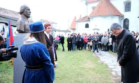 Kövér László jelenlétében avatták fel Czetz János honvédtábornok szobrát Gyergyószentmiklóson