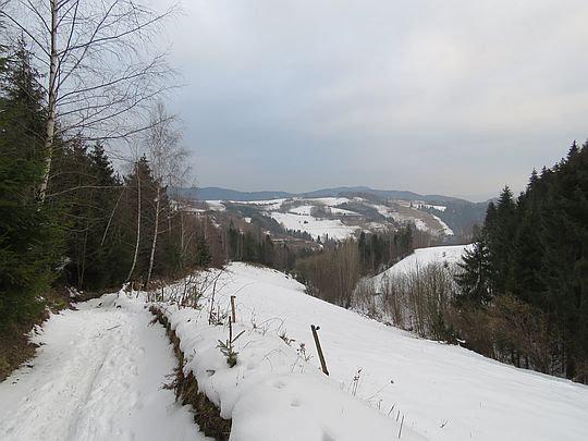 Widzimy już dolinę Gorcowego.