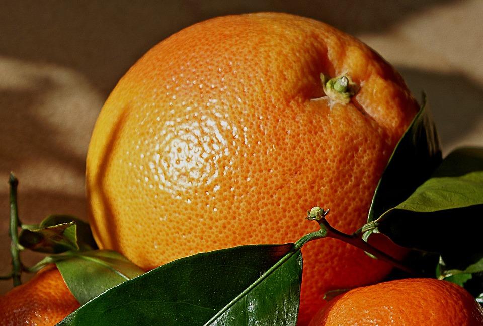 https://pixabay.com/pl/mandarynki-pomara%C5%84cze-owoce-natura-403326/