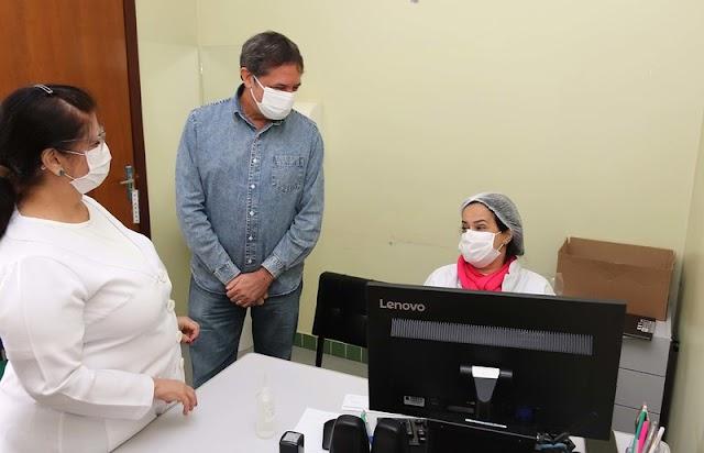 Chico Brasileiro destaca empenho dos servidores da saúde