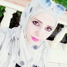 أنا رنا العمري مطلقة ومازلت عذراء أرغب في الزواج من عربي