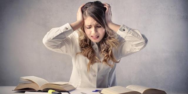 5 Tanda yang Mengindikasikan Bahwa Kamu Sedang Stres