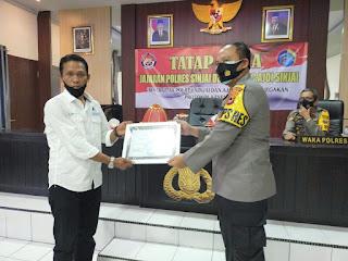 Kapolres Diangkat Jadi Dewan Kehormatan oleh Pengurus Ajo Indonesia Kabupaten Sinjai