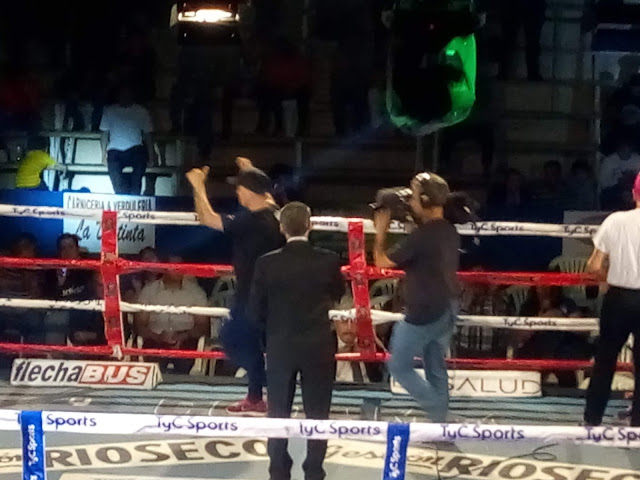 BOXEO PROFESIONAL EN CUTRAL CO
