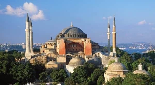 أول صلاة بجامع «آيا صوفيا» منذ 86 عاما بمدينة إسطنبول