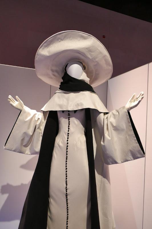 Glenn Close Cruella de Vil 102 Dalmatians costume