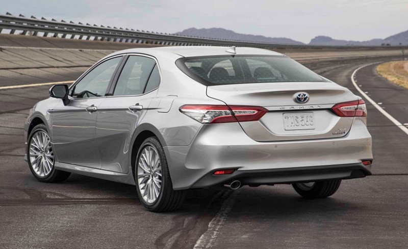 2018 Toyota Camry Hybrid Dimensions, Interior, Price
