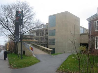 Le Carpenter Center, 1963, dans lequel Le Corbusier a souhaité intégrer les cinq points développés