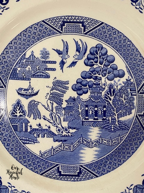 blue willow pattern plate chinoiserie