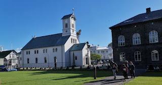 Reykjavík, iglesia Domkirkjan.