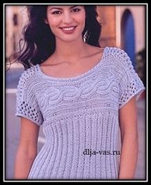 letnii pulover s korotkim rukavom svyazannii spicami so shemoi uzora i opisaniem vyazaniya (1)