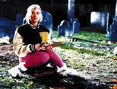 Buffy in graveyard from original film