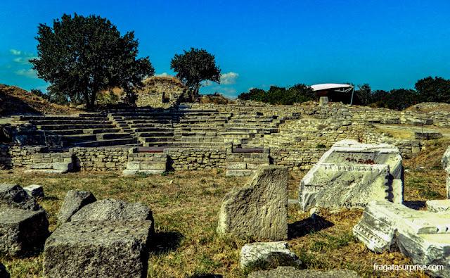 Anfiteatro escavado em Troia, Turquia