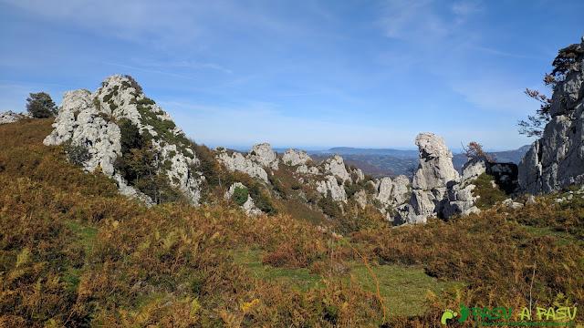 Pequeño descenso para rodear por el Este el Pico Formoso