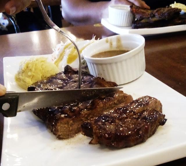 Kali pertama makan di Me'nate Steak House Bangi.