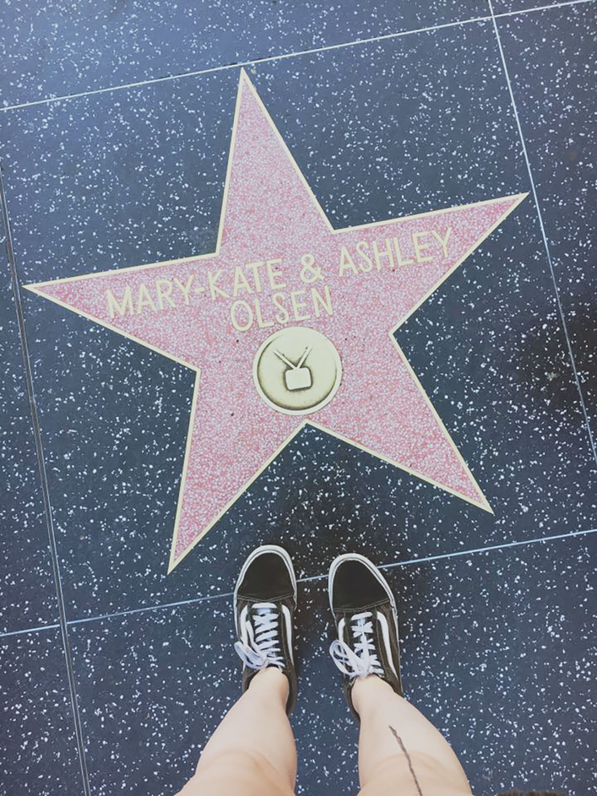 mary kate and ashley olsen star on hollywood walk of fame from travel blogger
