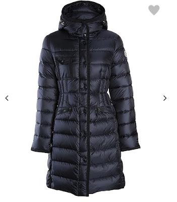 Model Herine Moncler, płaszcz, granatowy, długi