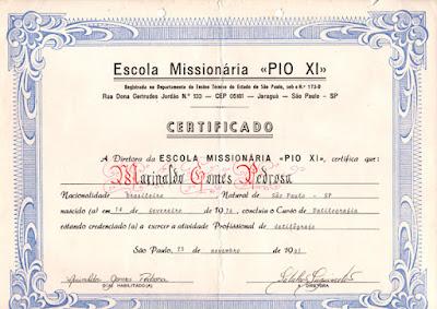 """Diploma do Instituto Secular das Catequistas Missionárias de São Francisco de Assis que, em 1991, me nomeava como """"datilógrafo profissional"""""""