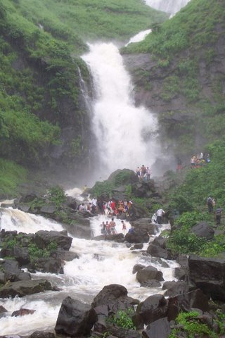 17 Places to Visit for One Day Trip from Bangalore
