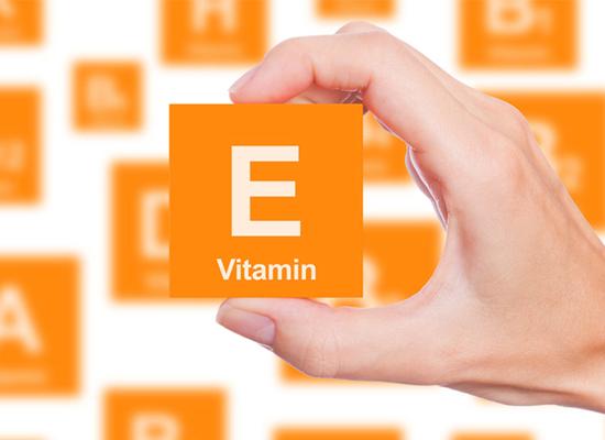 tay cầm hình vuông màu cam chữ vitamin E