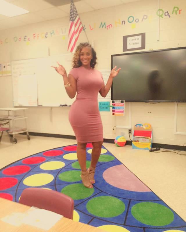 Pais reclamam por professora ser sexy demais