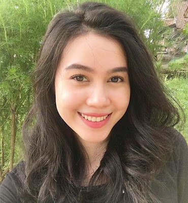 Bella Nurmala Foto Senyum