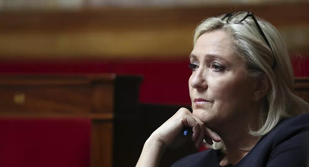 Marine Le Pen reprend en main une instance du RN en évinçant Gilbert Collard et Nicolas Bay