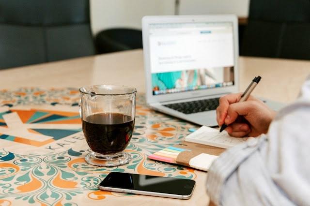 como fazer blog viagem