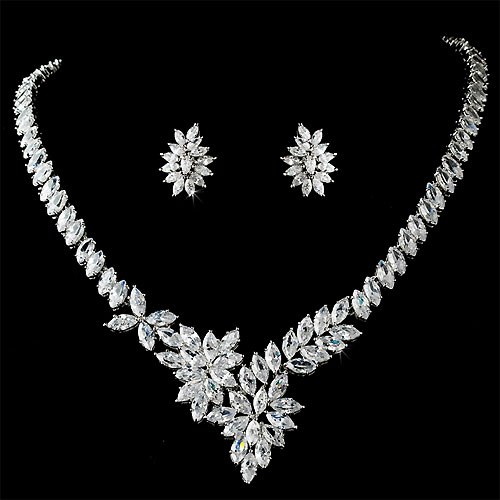 Beautiful Diamond Necklaces 37