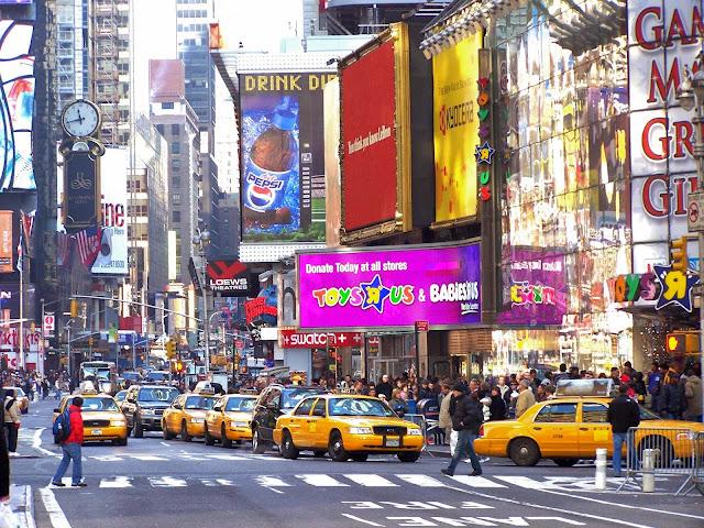 A Toys R Us funcionava na Times Square