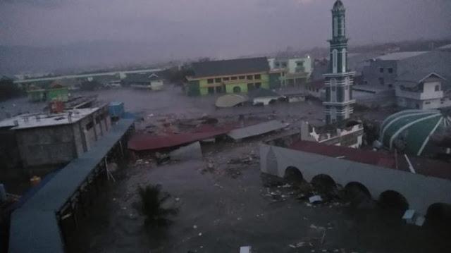 Video Detik-detik Tsunami Setelah Gempa 7,7 SR di Palu Sulawesi Tengah 28 September 2018