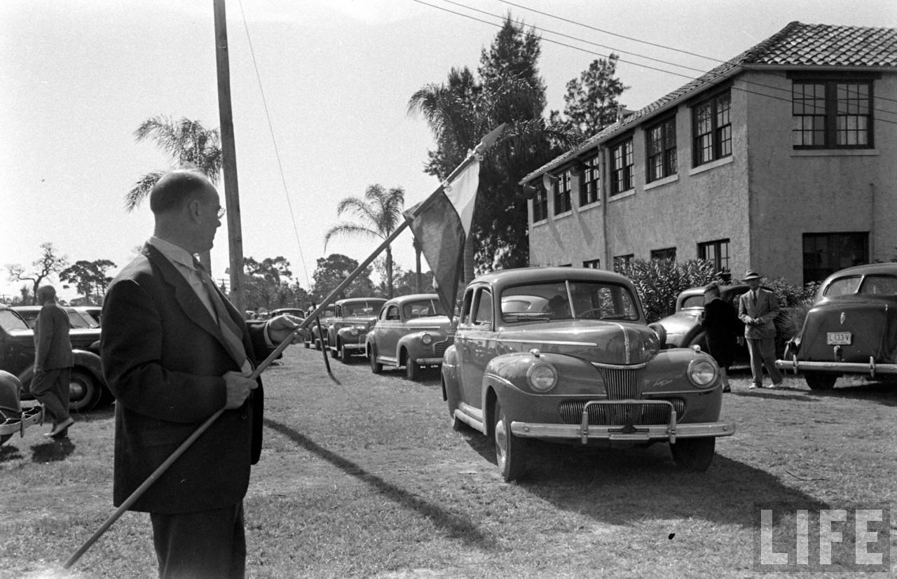 25 Vintage Photographs Show Drive-in Church in St. Petersburg ...