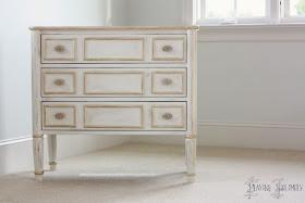Boiserie c offrite una seconda chance ai vostri vecchi mobili con una patina - Dipingere un mobile di legno ...