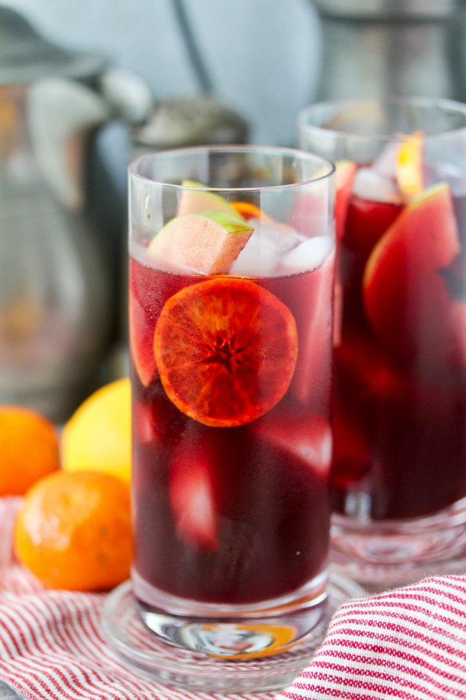 Orange Pomegranate Sangria #sangria