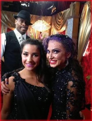 Jacoby Jones (in background), Aly Raisman and Karina Smirnoff on Dancing with the Stars Season 16