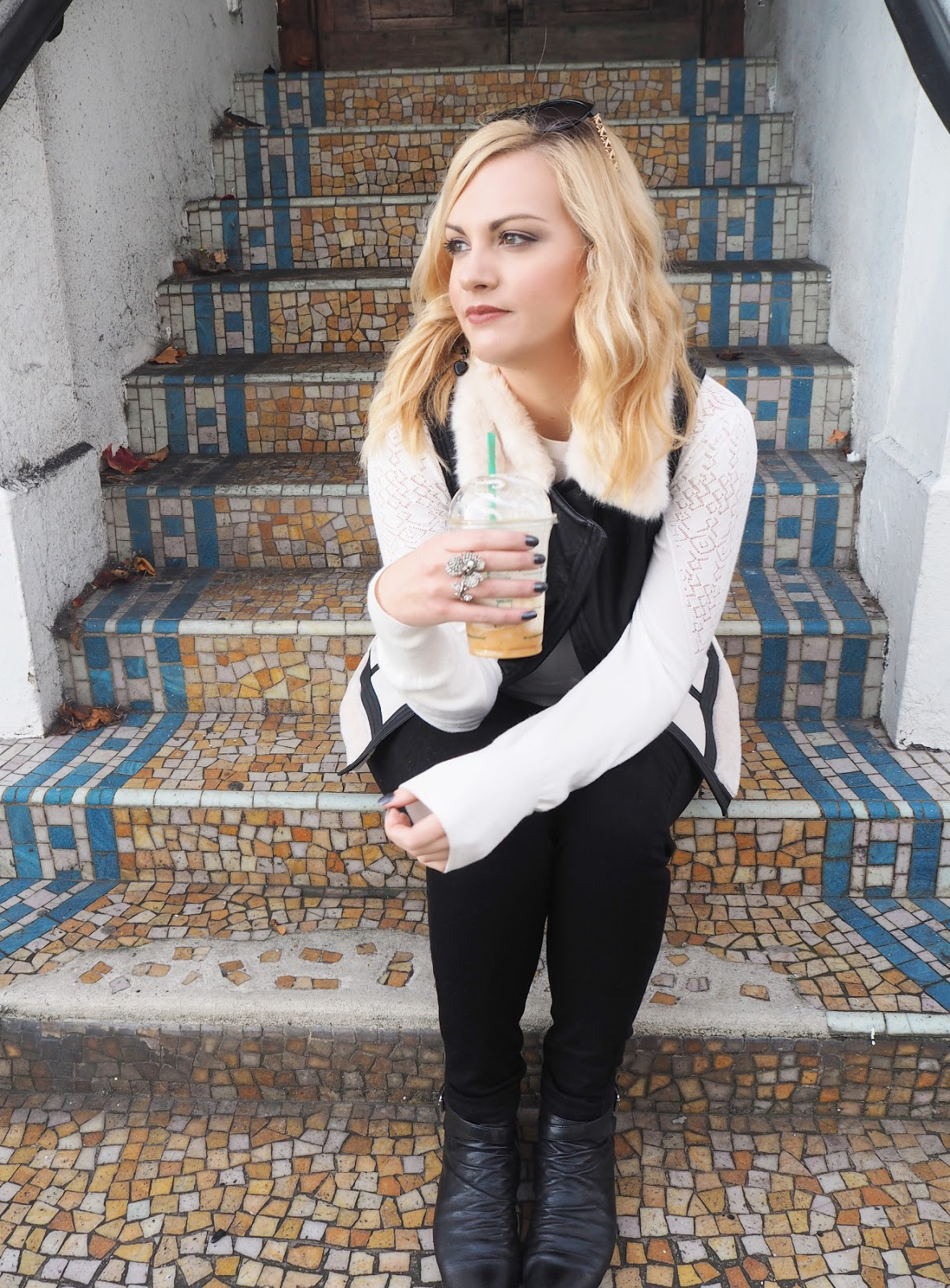 Monochrome Layering, Katie Kirk Loves, Outfit Ideas, Monochrome Fashion, Fashion Layering, Oasis Fashion, Fashion Blogger, UK Fashion Blogger, Outfit Of The Day, Style Blogger, Outfit Photoshoot, UK Blogger, UK Fashion Blogger